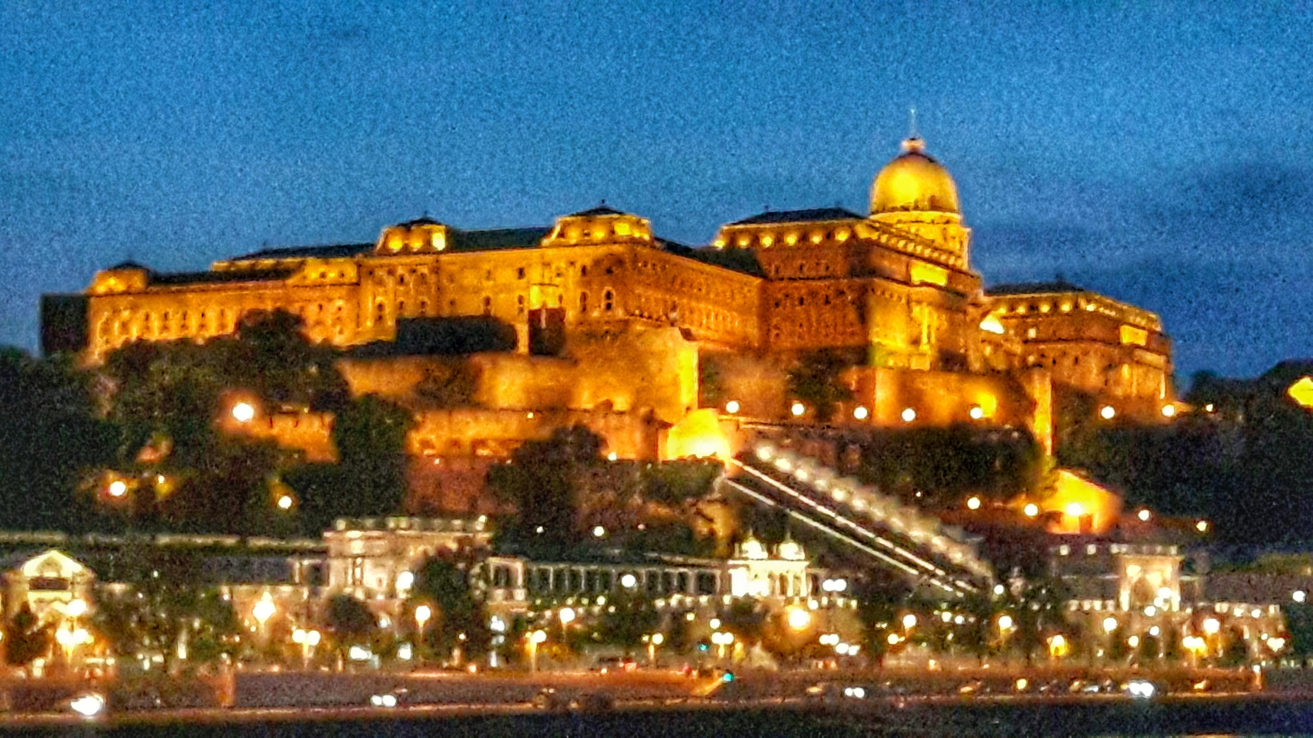Unterwegs auf der Donau – Ausfahrt aus Budapest – Sail away