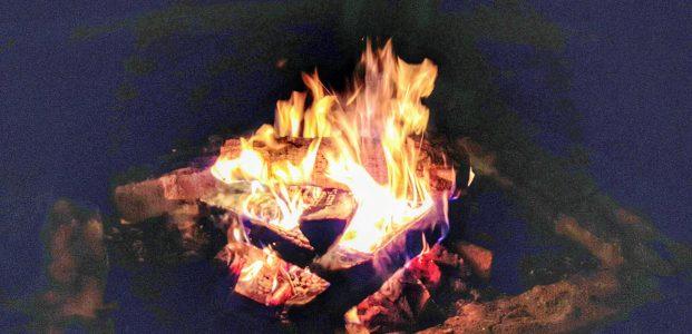 Fenstermusik – 99 Tage und das Feuer brennt weiter